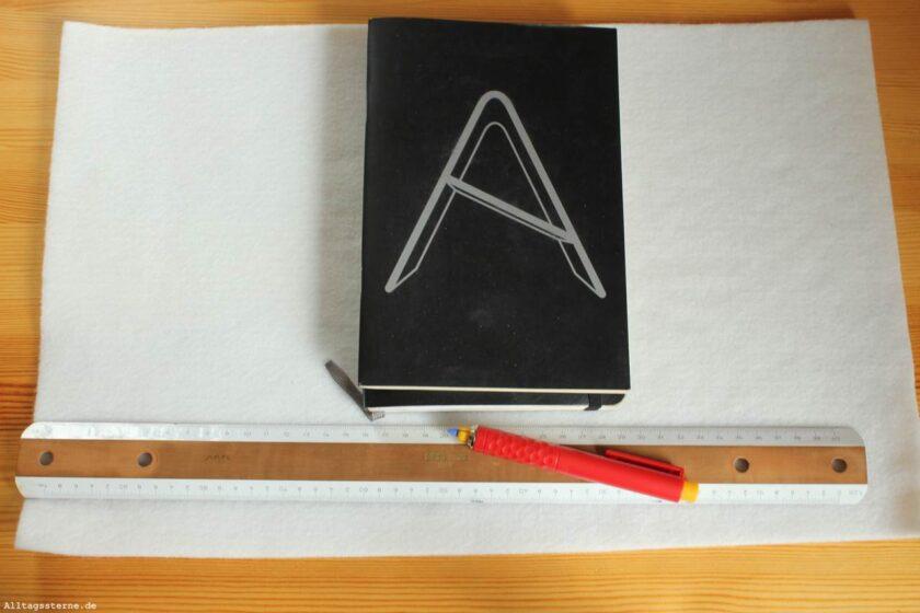 Alltagssterne-Ideenkeime-DIY-Notizbuchhülle-Filz-Vorgehensweise