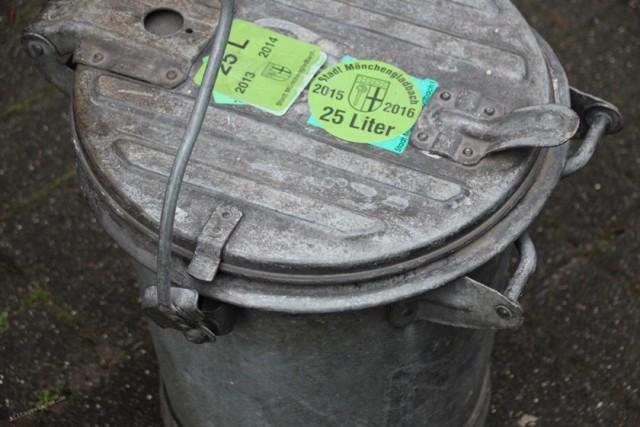 Alltagssterne-unterwegs-Rheydt-kurioses-Mülltonne